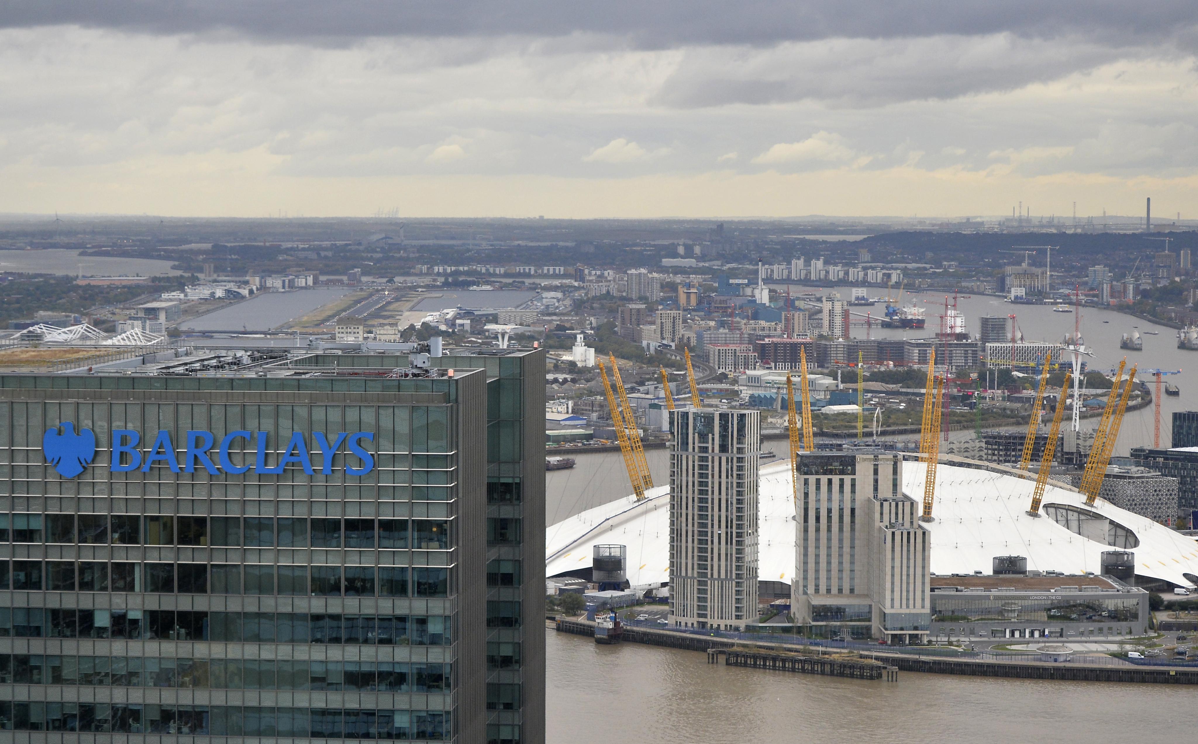 Deutsche Bank Swings to Profit