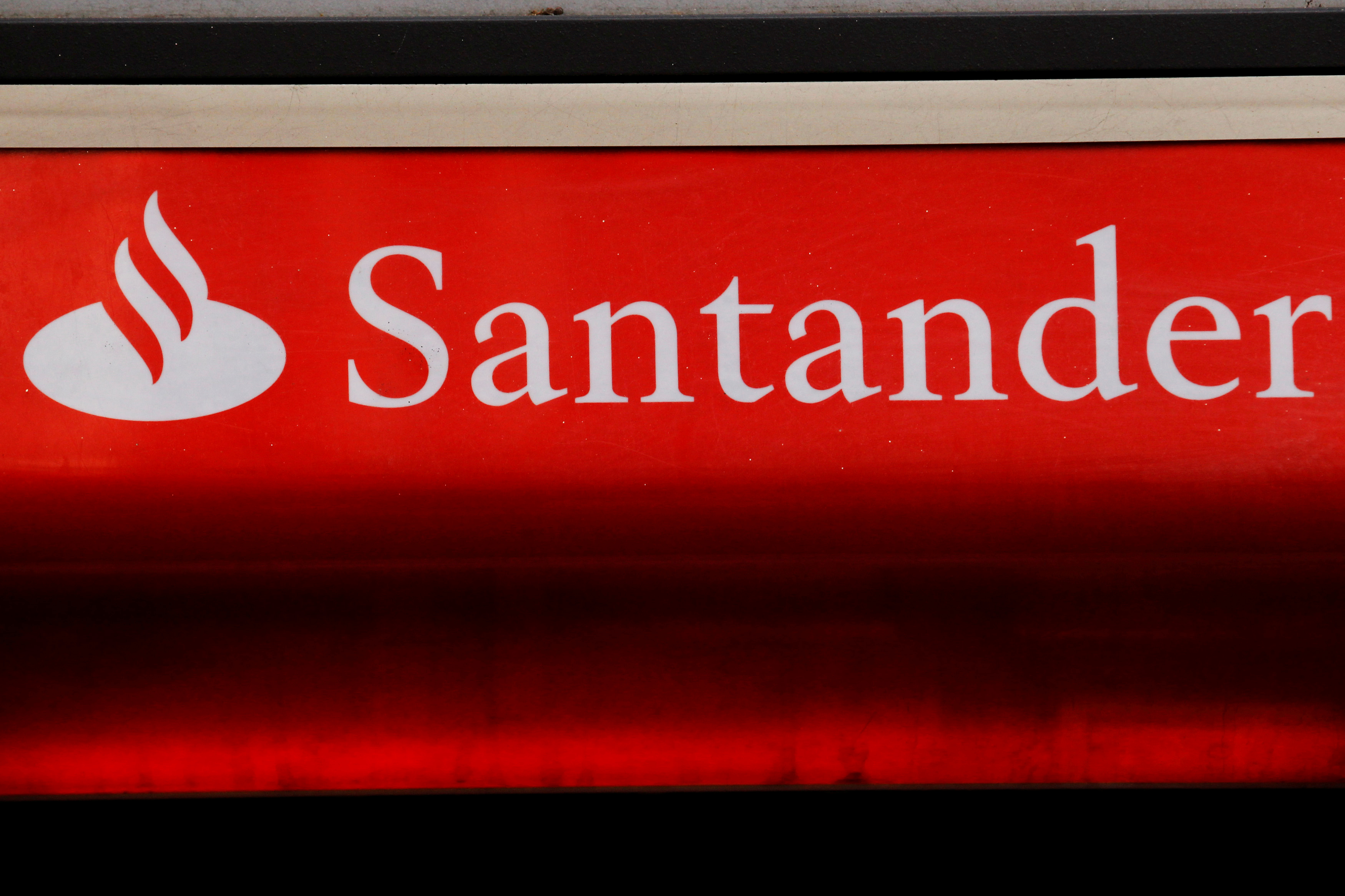 Santander UK issues new Brexit warning despite 9% profit