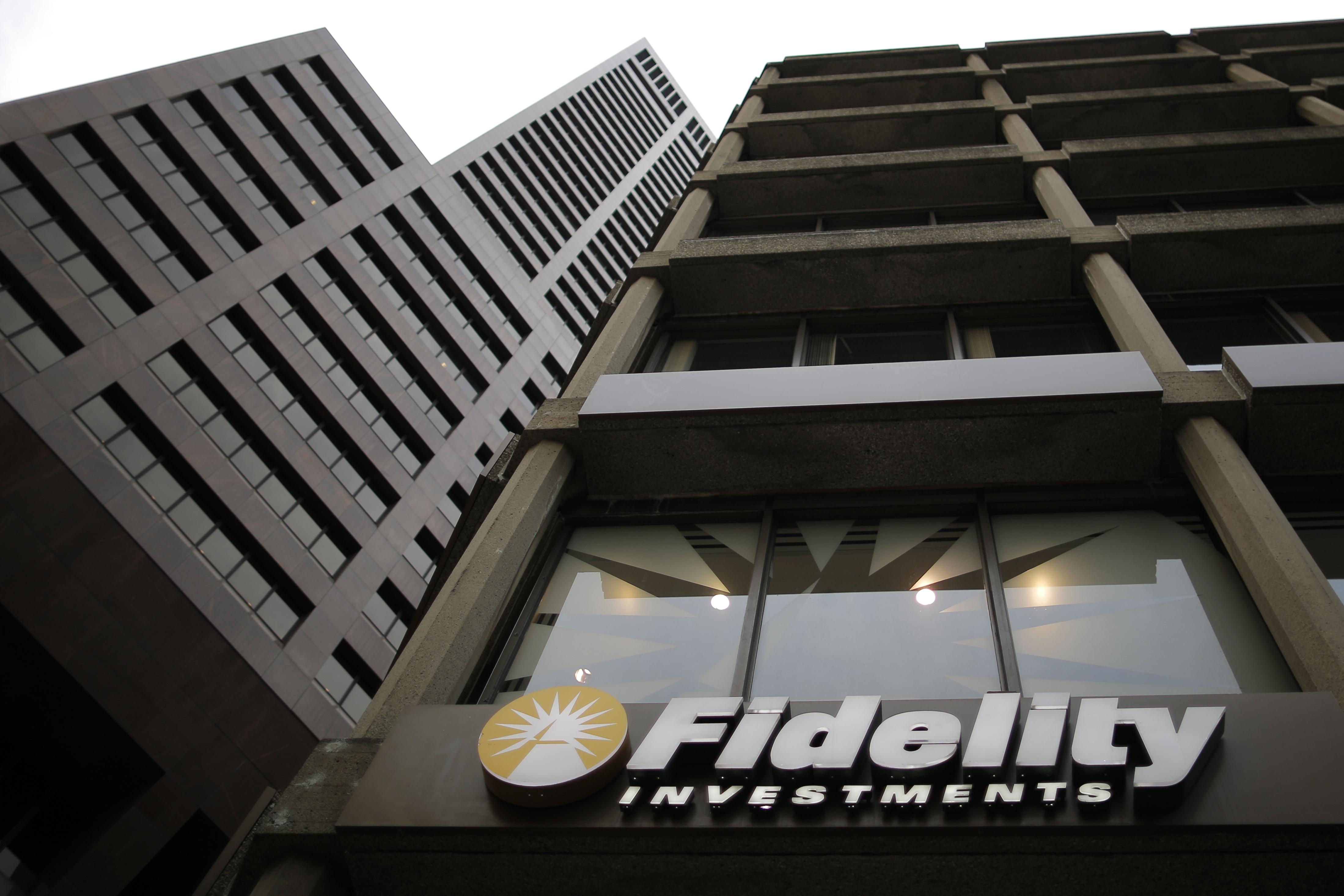 Fidelity insiders chip away at customers' yachts – Breakingviews