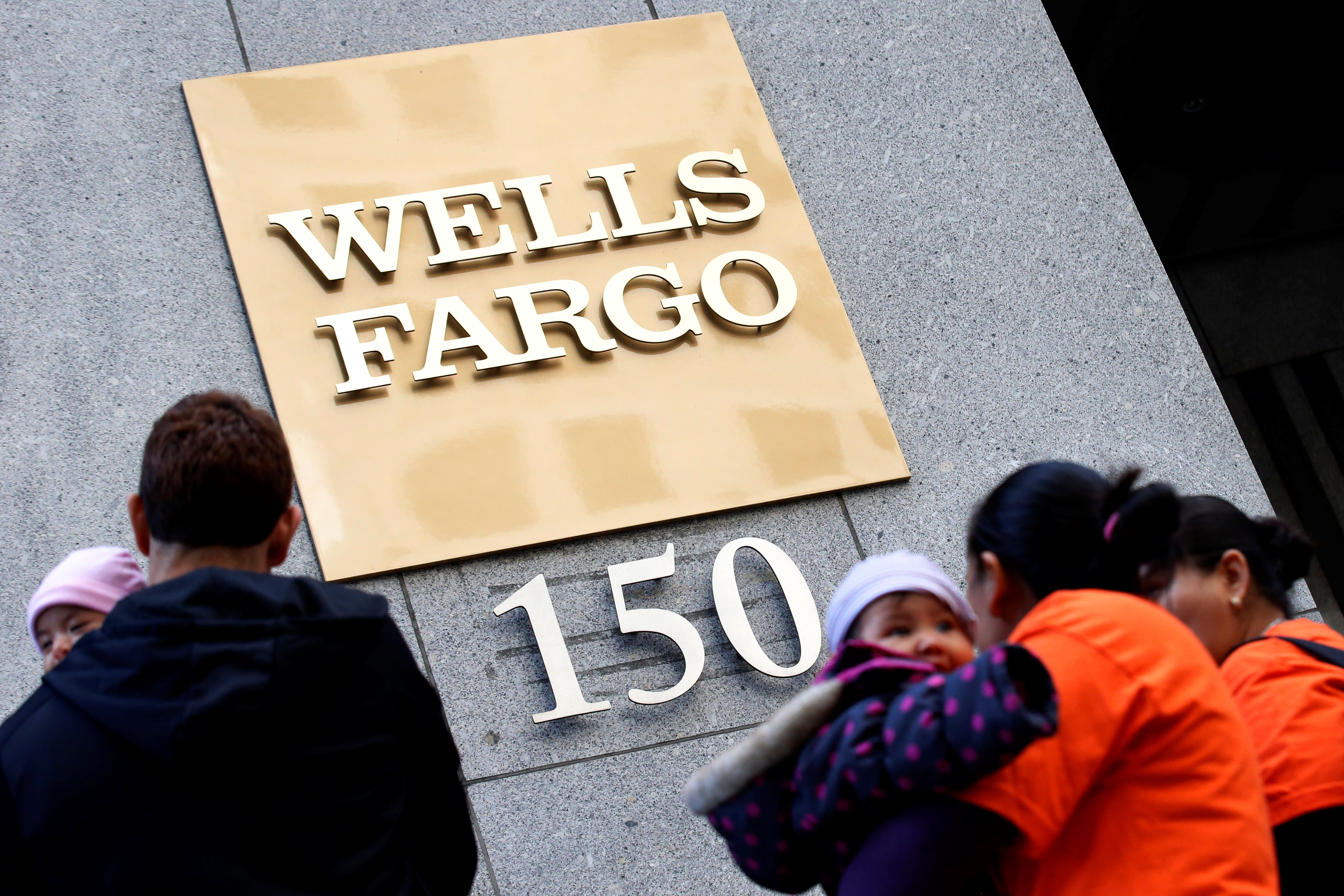 ROI of Wells Fargo & Company (NYSE:WFC) stands at 8.8