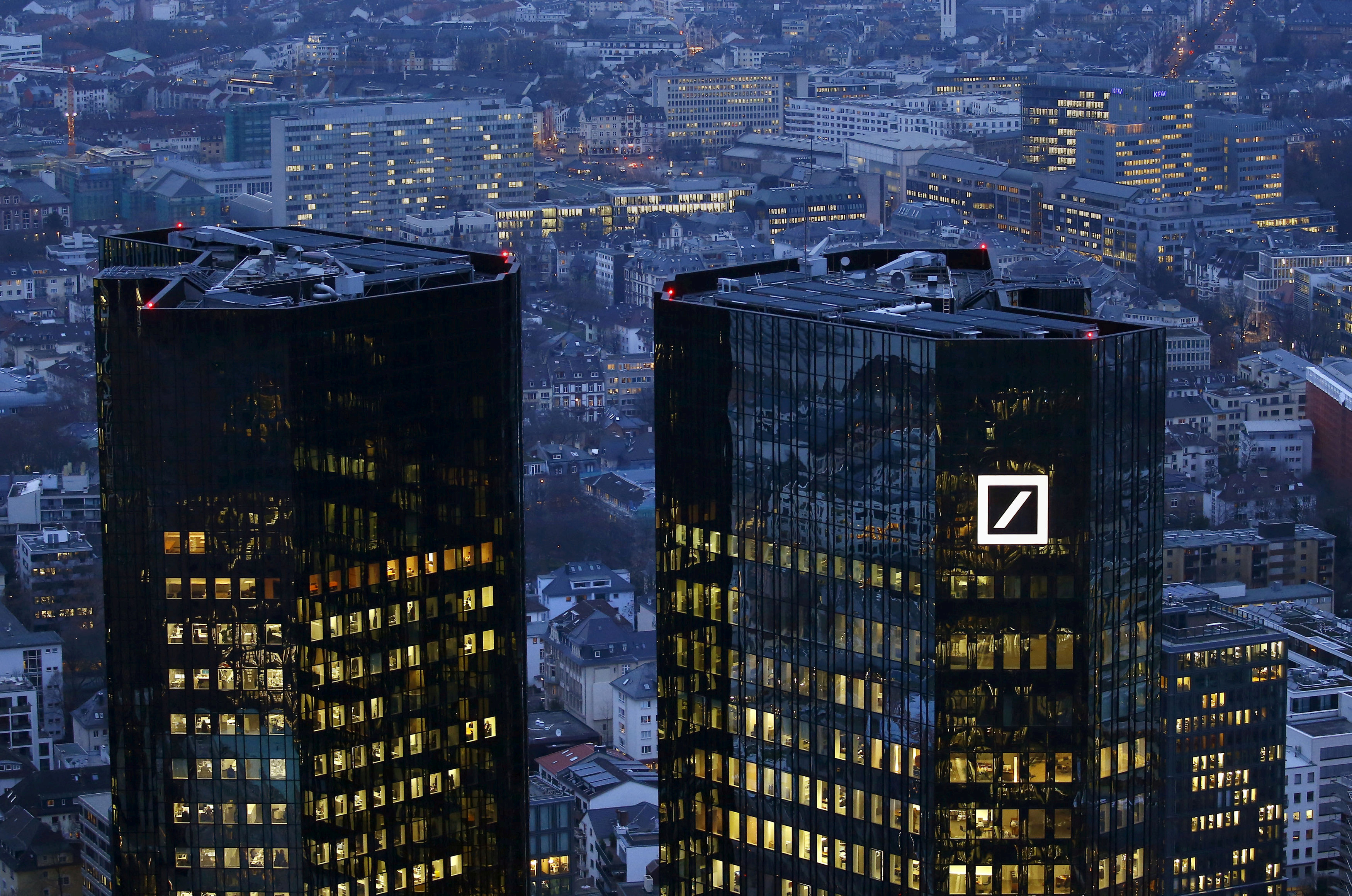 Deutsche Bank AG (DB) Short Interest Up 13.1% in October