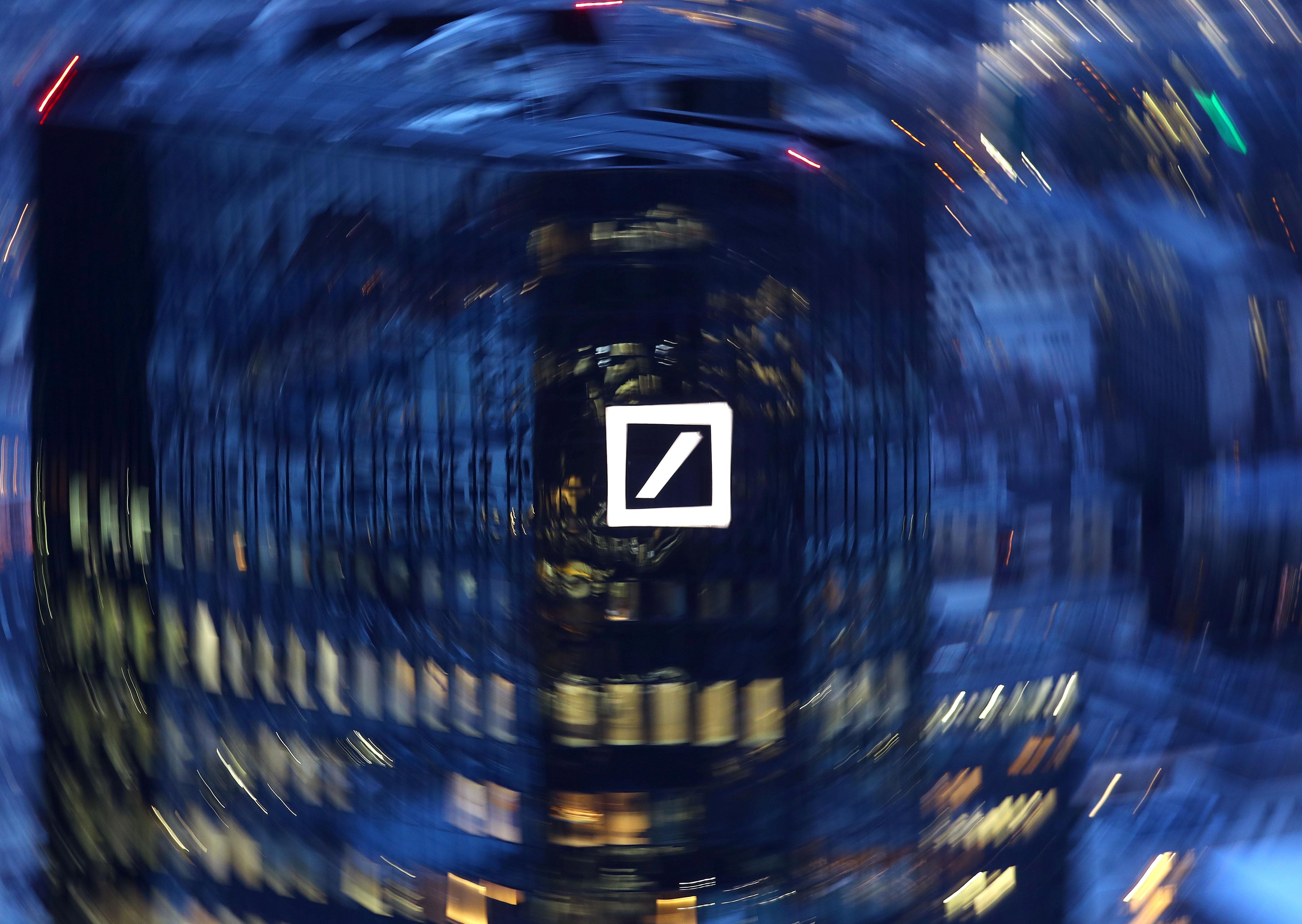 Deutsche Bank suffers renewed loss on legal costs