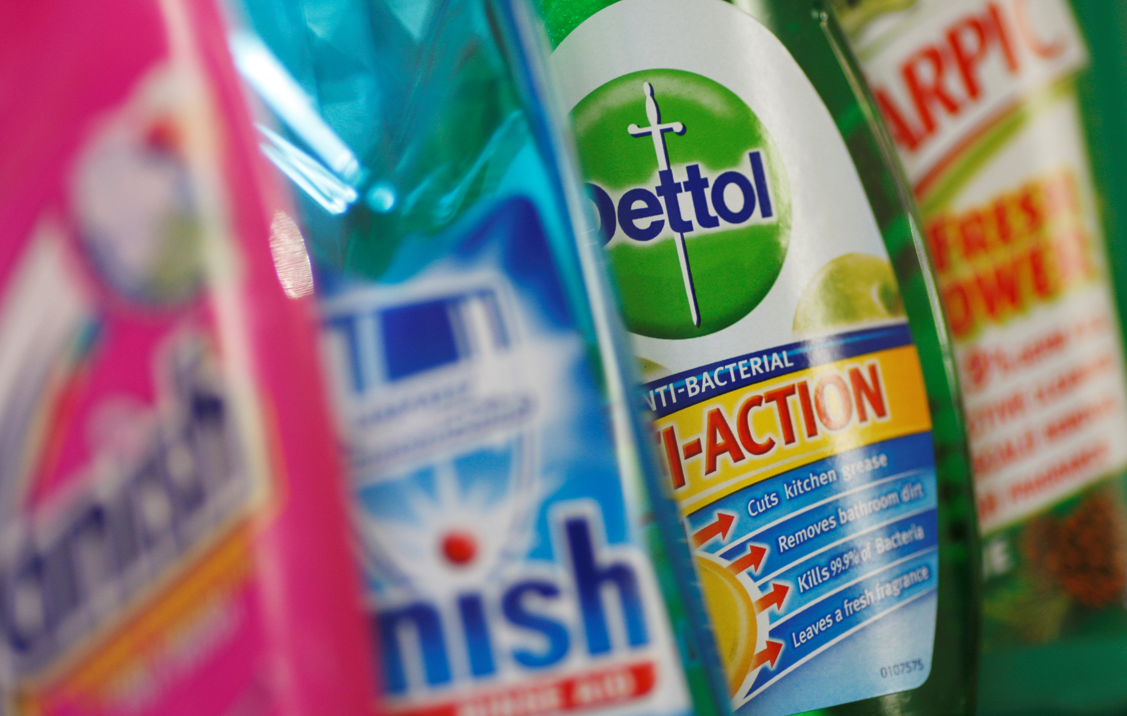Reckitt Benckiser FY Profit Rises, To Buy Mead Johnson For $16.6 Bln