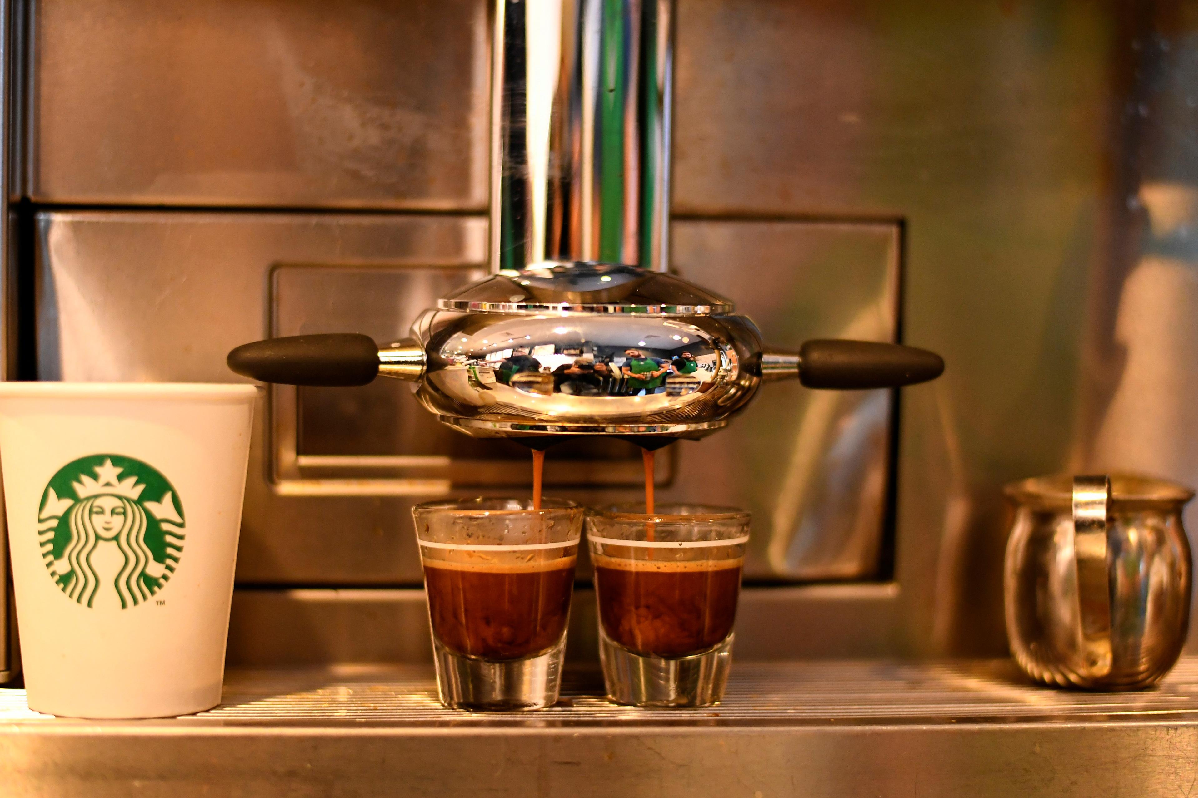 Starbucks embarks on ultimate market test italy for Starbucks italie