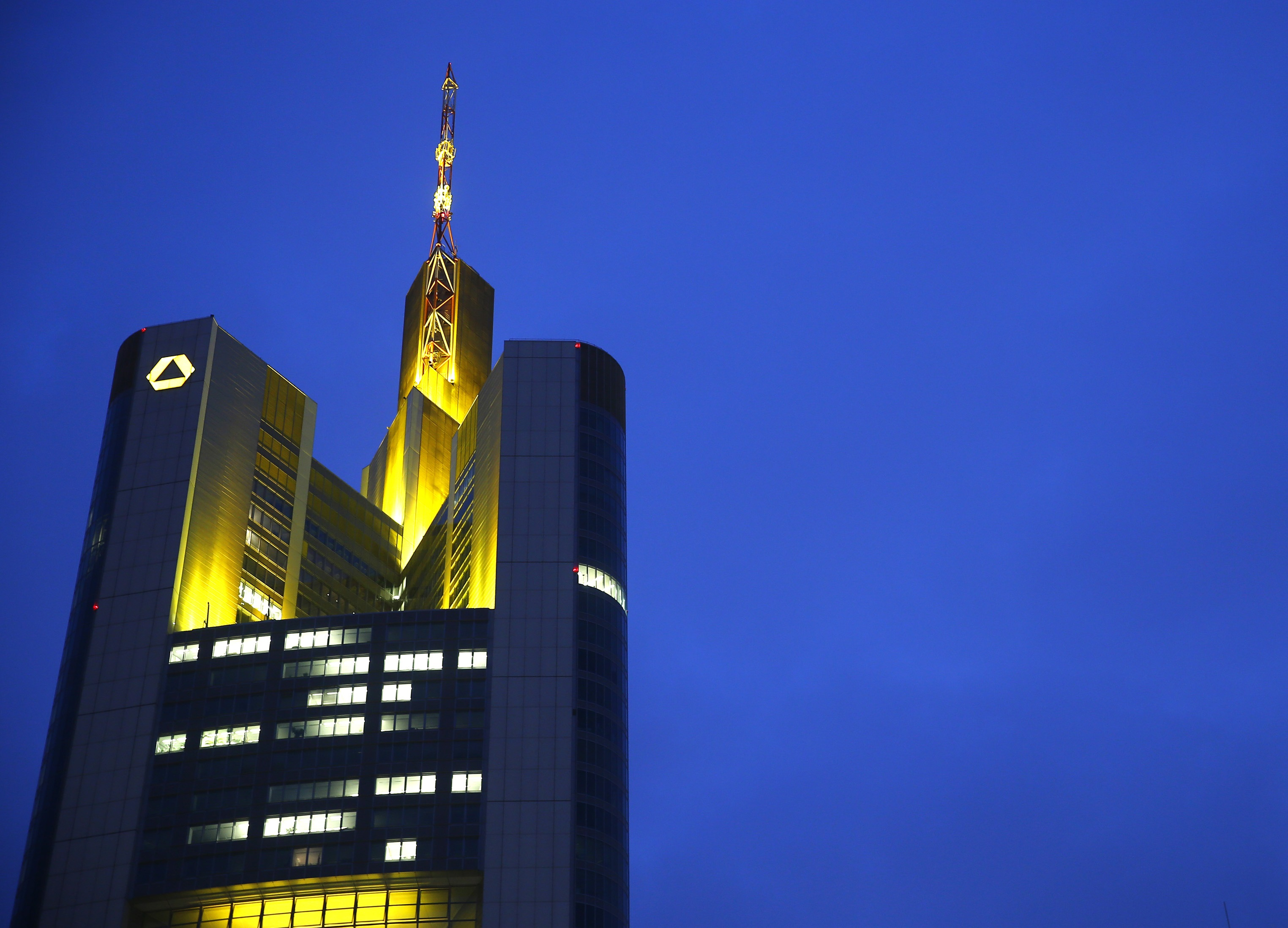 Commerzbank Shares Top German DAX After Report Links Lender to Italian Takeover