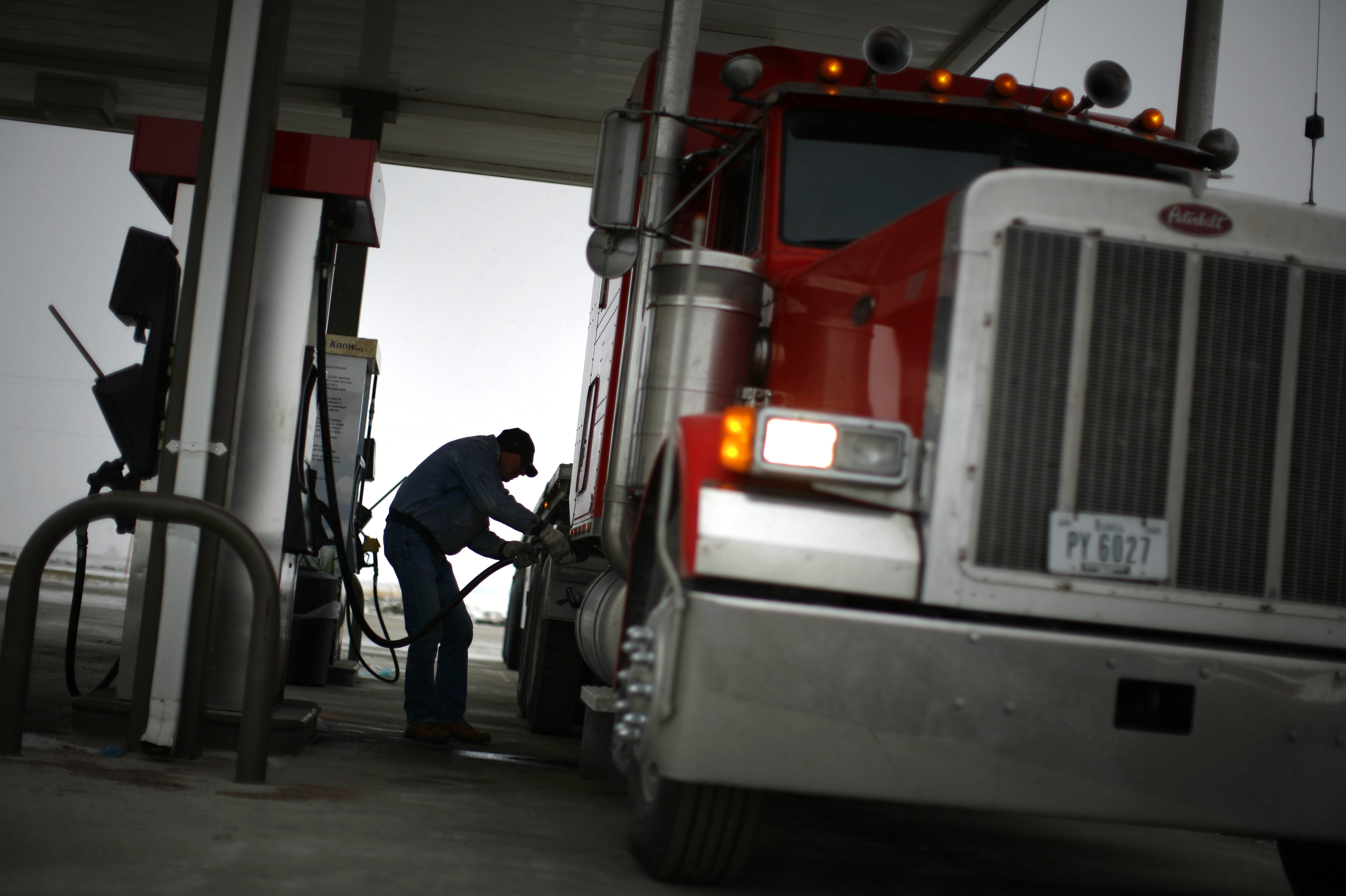 Buffett's Berkshire makes 'significant' in Pilot Flying J travel centers