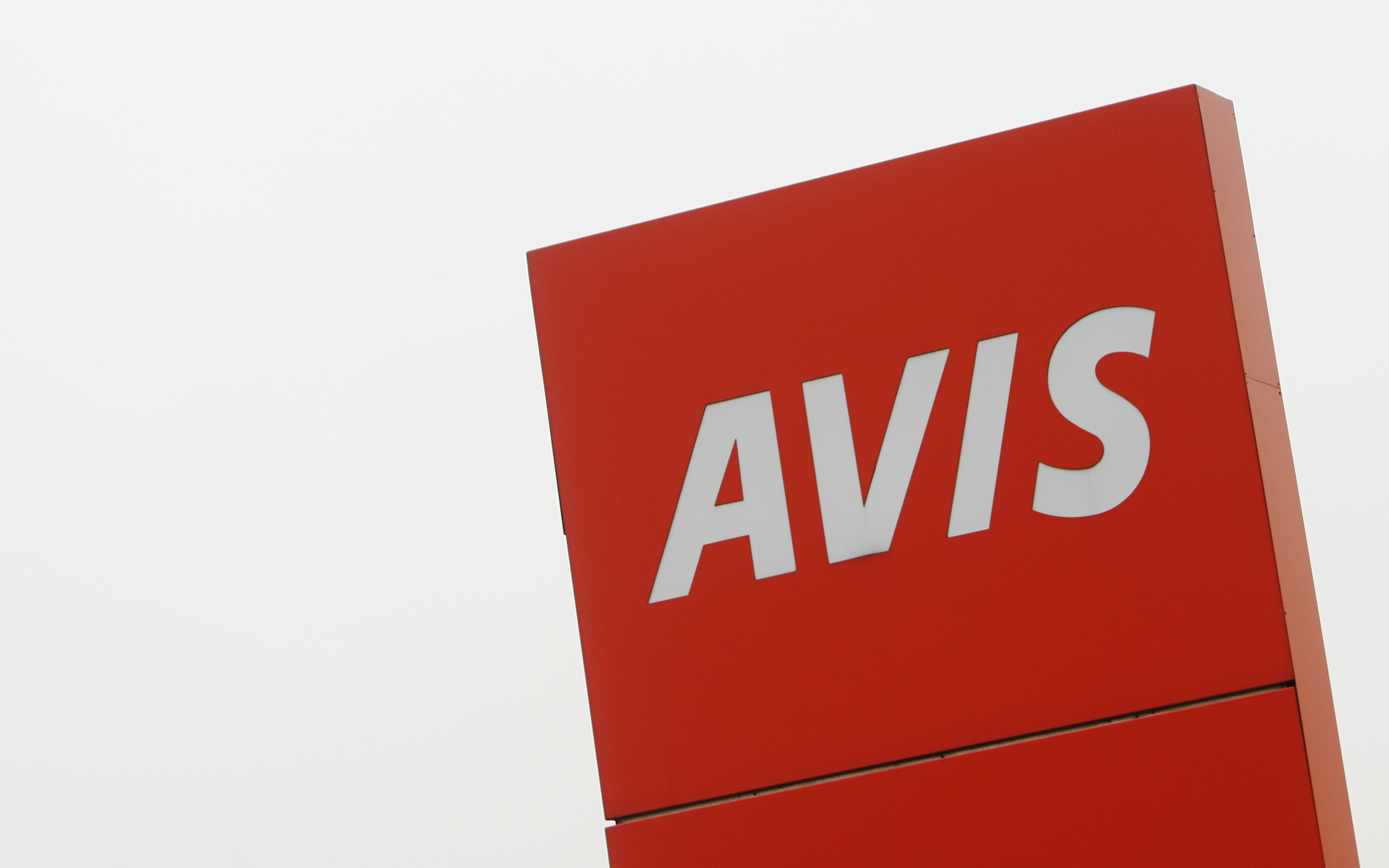 Stocks Trapped in Bearish Claws: Avis Budget Group, Inc. (NASDAQ:CAR)