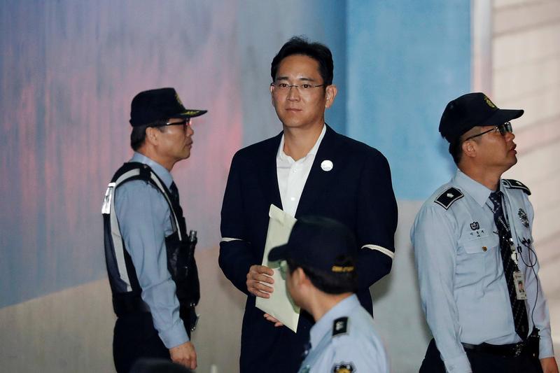 Samsung heir Lee walks free after appeal