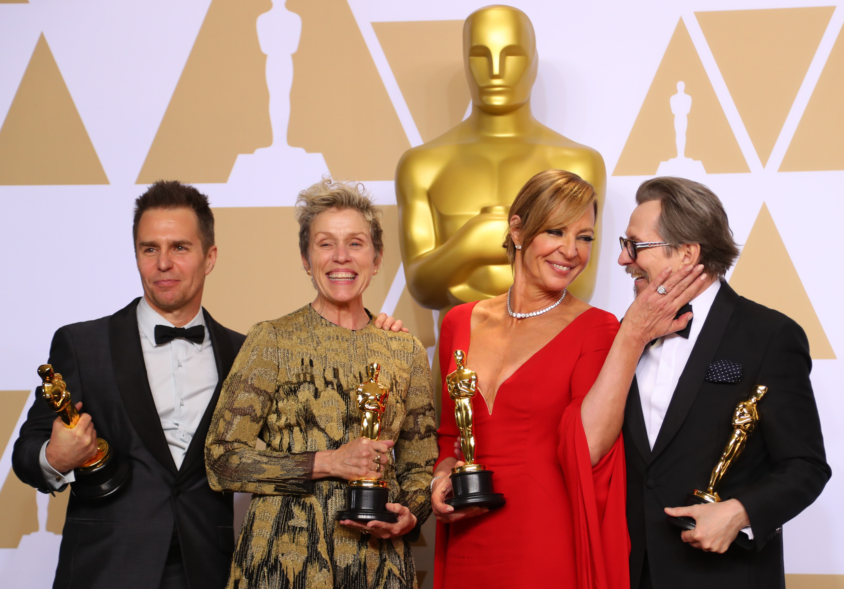 Oscars signal spread of sports led live tv decline for Academy award winners on netflix