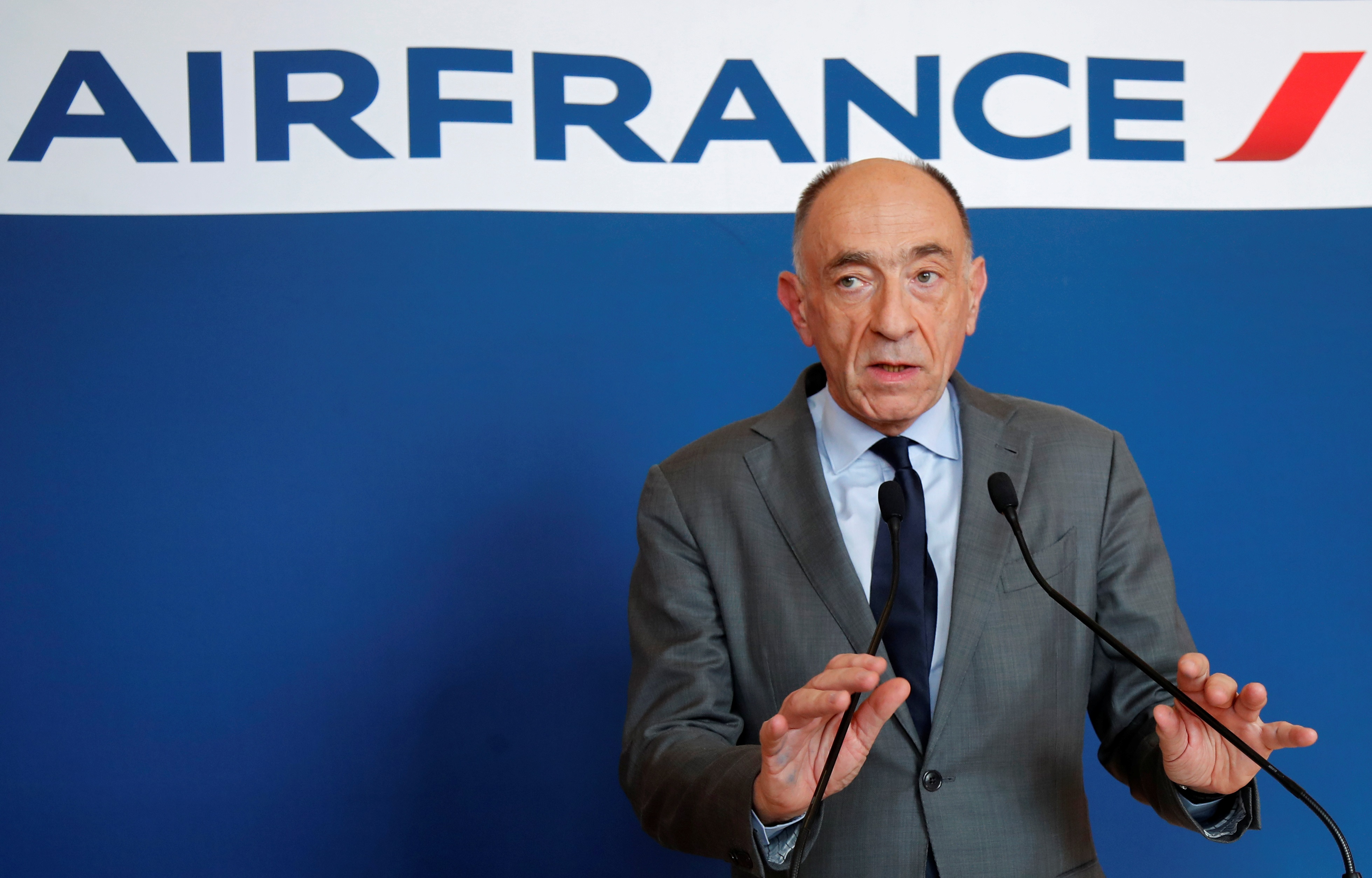 French Finance Minister says no government bailout for Air France
