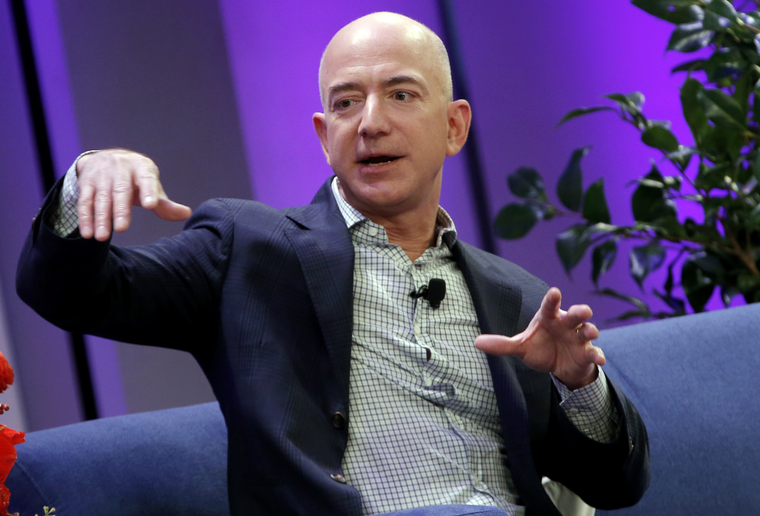 Amazon just posted an insane earnings-per-share beat
