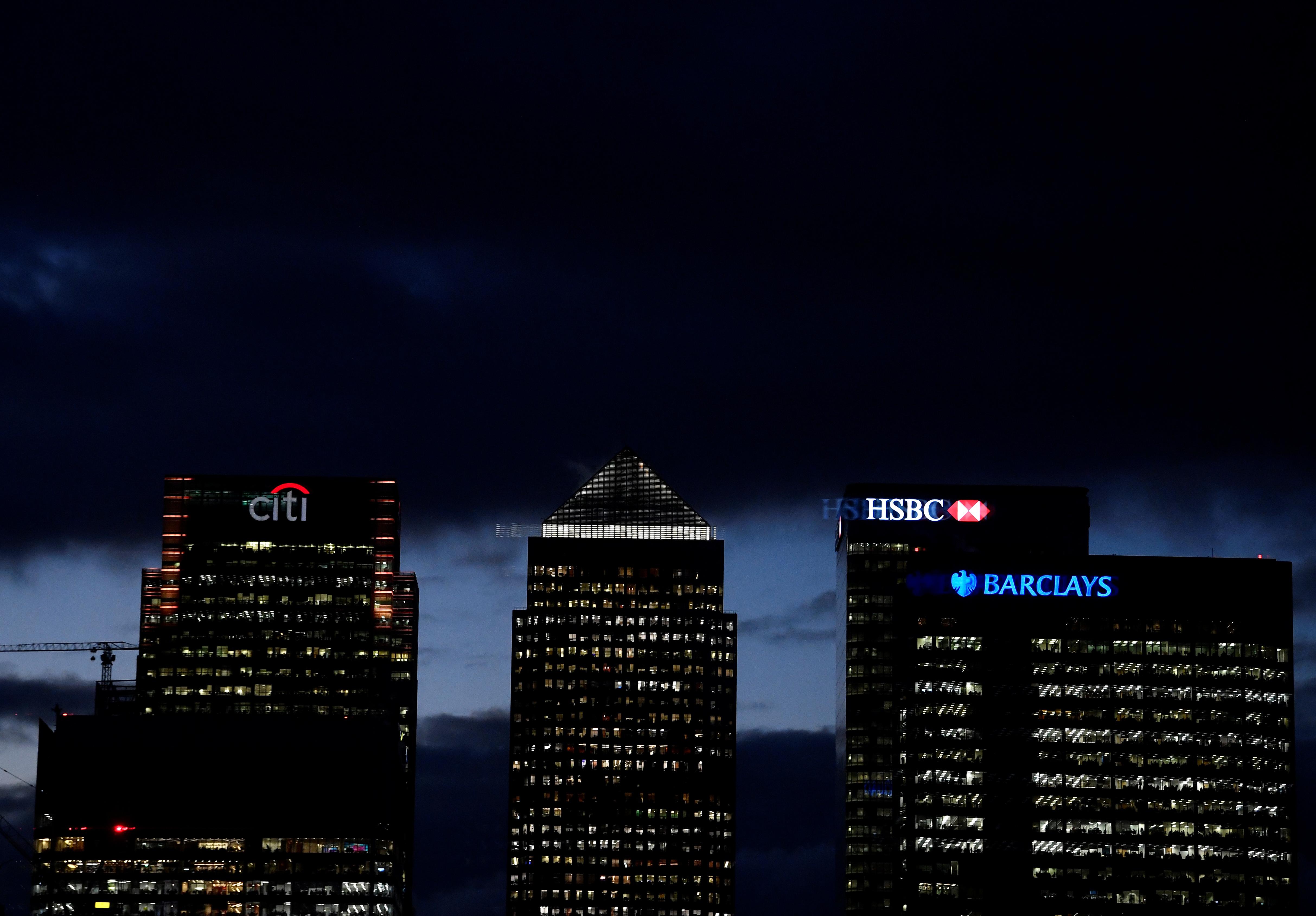 Transatlantic bank bonus gap is getting wider – Breakingviews
