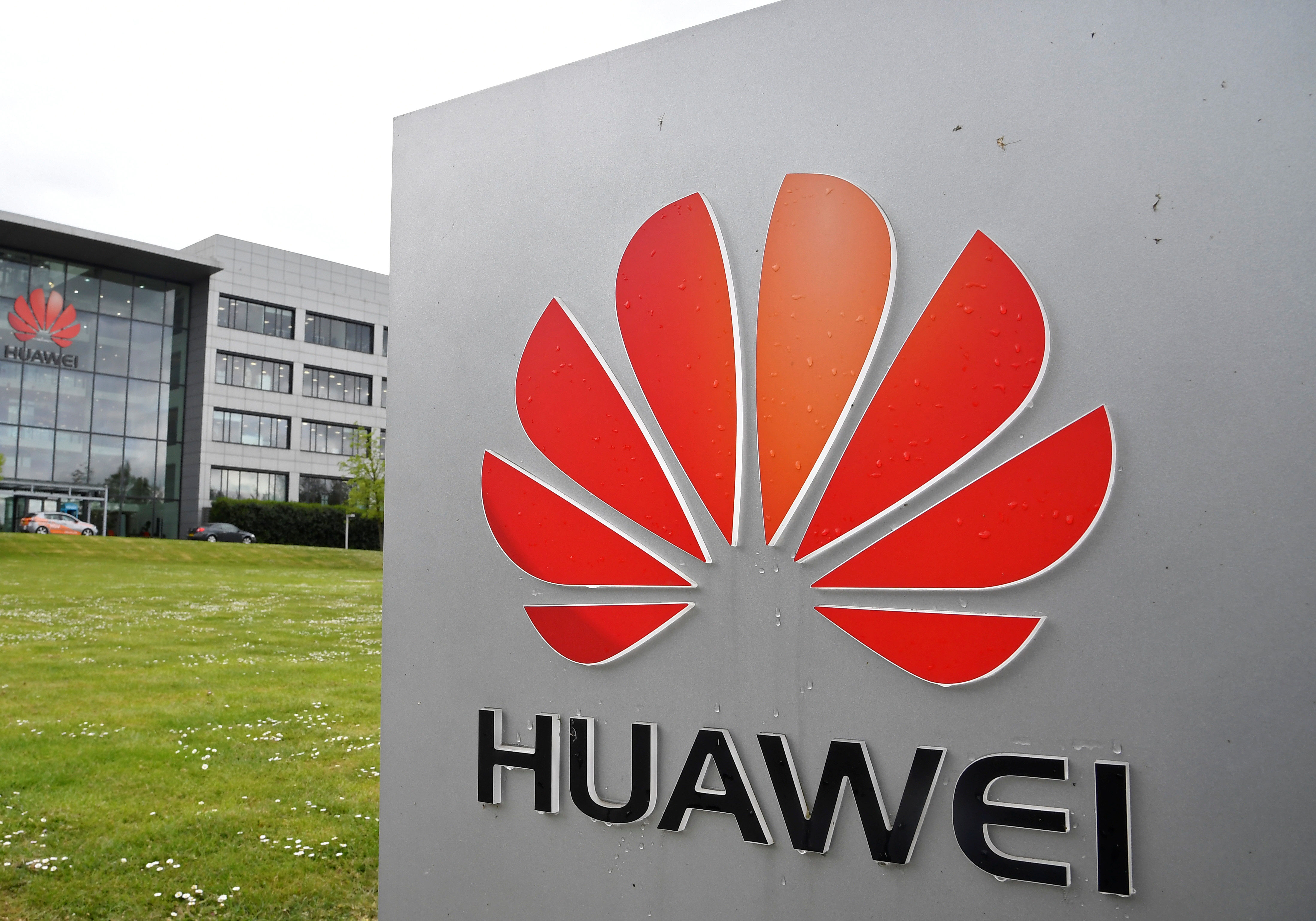 United Kingdom  warned banning Huawei will delay 5G rollout and cost billions