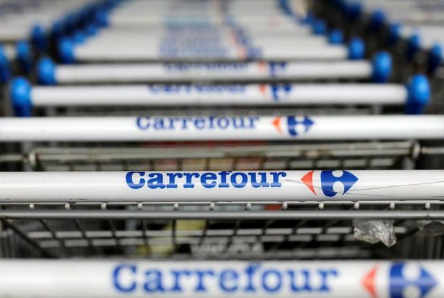 Carrefour leaps into Couche-Tard merger negotiations